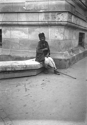 La 1909, in Bucuresti. Viata cotidiana: Orasul, strazile, oamenii, obiceiurile
