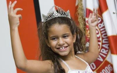 7-year-old Samba queen cries at Rios Carnival