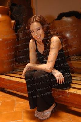 Ficha y fotos de Alejandra Barros