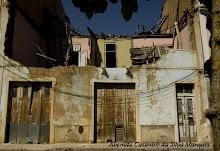 Alguns edifícios, no Bombarral, que necessitam de uma requalificação urgente.