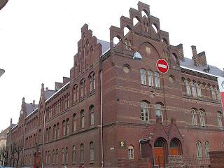 Школа № 11 во Львове - нині Правничий Ліцей