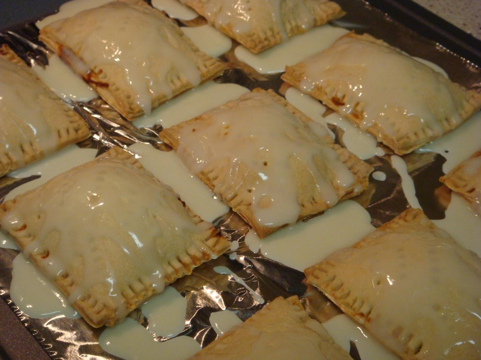 Mag-Pie's & more: Pumpkin Pie Pop Tarts with Maple Glaze
