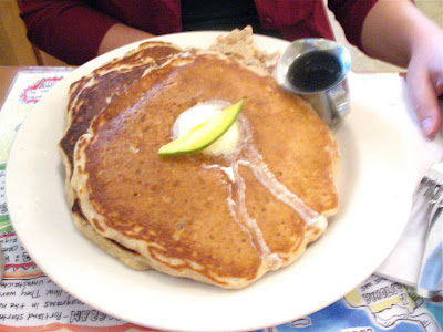Pancakes at the 5 Spot