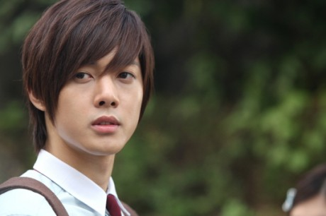There you are Pkers, a brief compilation of who Baek <b>Seung Jo</b> really is. ^_^ - 20100725_playfulkiss_3-460x306