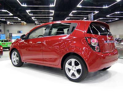 http://1.bp.blogspot.com/__9TTj0s27Vk/TUzZt56Q3OI/AAAAAAAADcI/8dlTF2GOUPw/s1600/Chevrolet_SonicSide.jpg