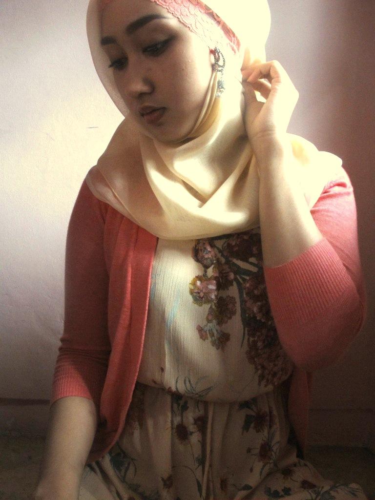 Cara Memakai Jilbab Pashmina Ala Dian Pelangi Praktis | Apps ...
