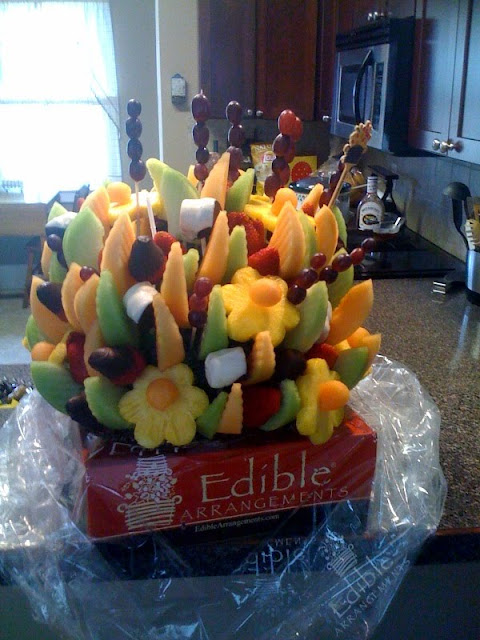 Edible-Arrangements-Fruit-Basket