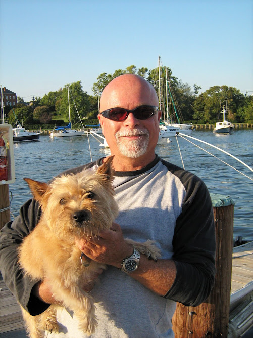 Another liveaboard, Jeff and his dog