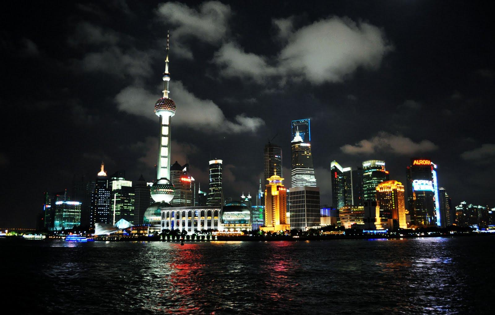 http://1.bp.blogspot.com/__DpNWq5zK0Q/TIkwNV0QodI/AAAAAAAAA1Y/R7WXkspcEOI/s1600/shanghai+night.jpg