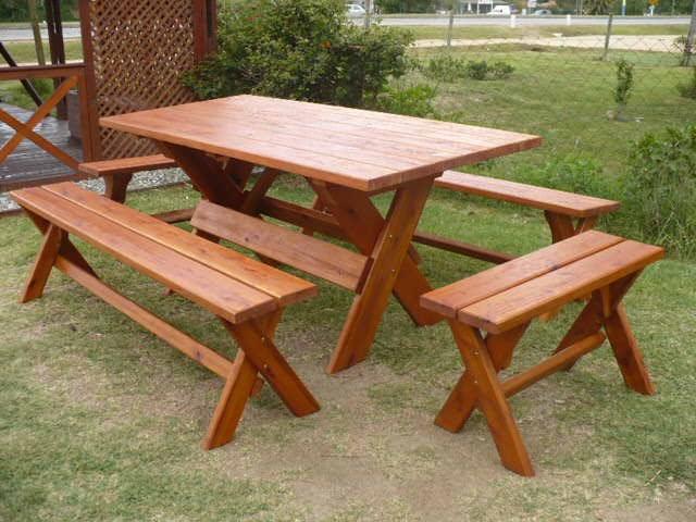La madera y sus creaciones mesa r stica con bancos - Mesa con bancos ...