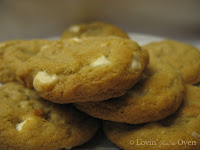 Macadamia Chip Cookie