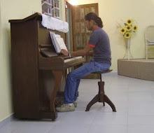Lucas nosso pianista - Lucas, onze pianist