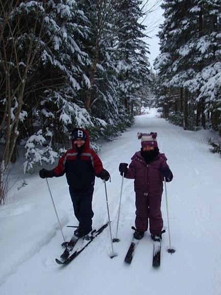 [Happy+Skiers]