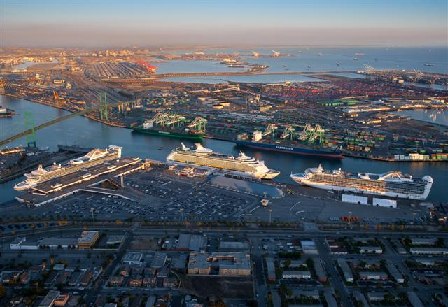 Professor Cruise Ship Cruise Departure Port Los Angeles California - Cruise ships los angeles