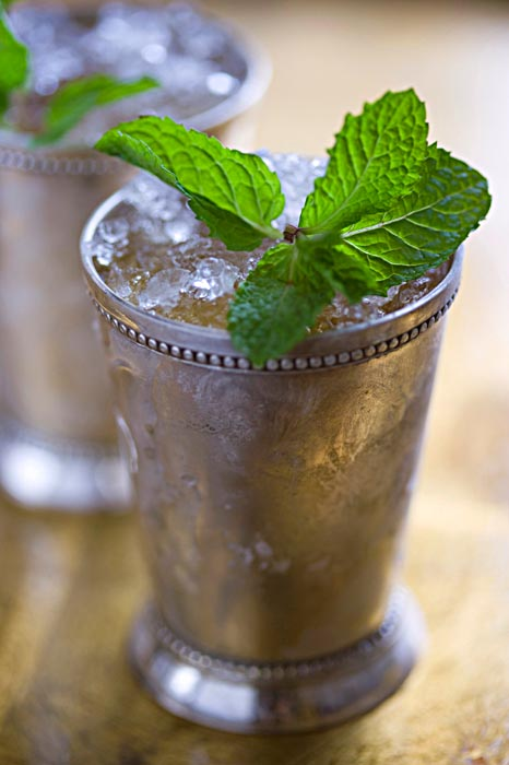 Lindaraxa: Derby Day...Mint Juleps at the Governor's House