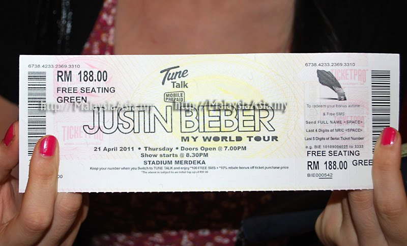 justin bieber concert in singapore. fake justin bieber concert