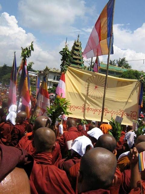 Maung Swan Yi – Saffron Monks