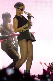 Rihanna-Dance-Tel-Aviv-1
