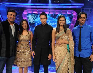 Imaran Khan and Sonam Kapoor with Indian Idol 5 Judges