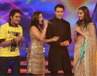 Imran and Sonam with Sunidhi and contestant Rakesh