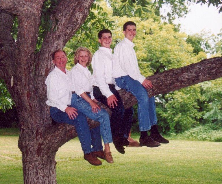 [awkwardfamilyphoto]