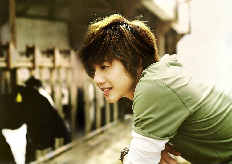 Kim Hyun Joong Profile
