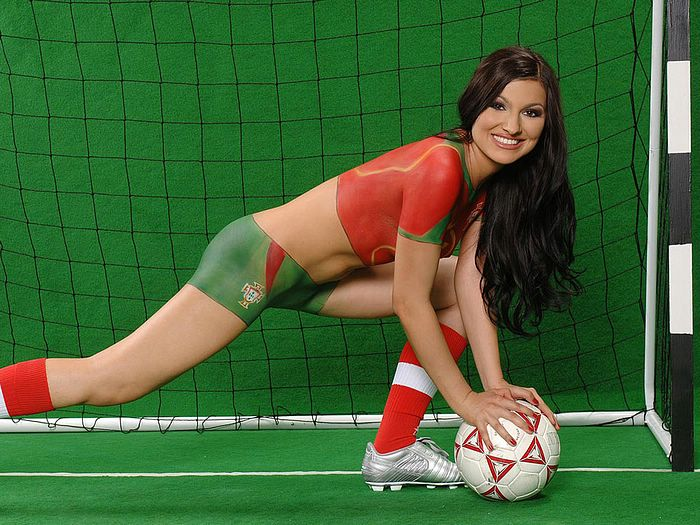 Women body painting world cup