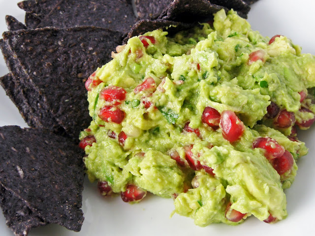 Healthy Holiday Appetizer: Pomegranate Guacamole