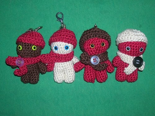 2000 Free Amigurumi Patterns: Little Men Keychains