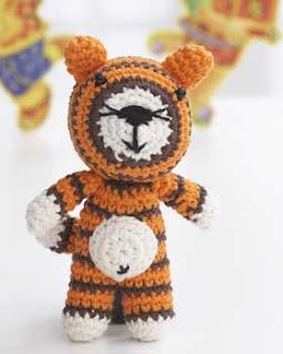 2000 Free Amigurumi Patterns: Tiger crochet pattern
