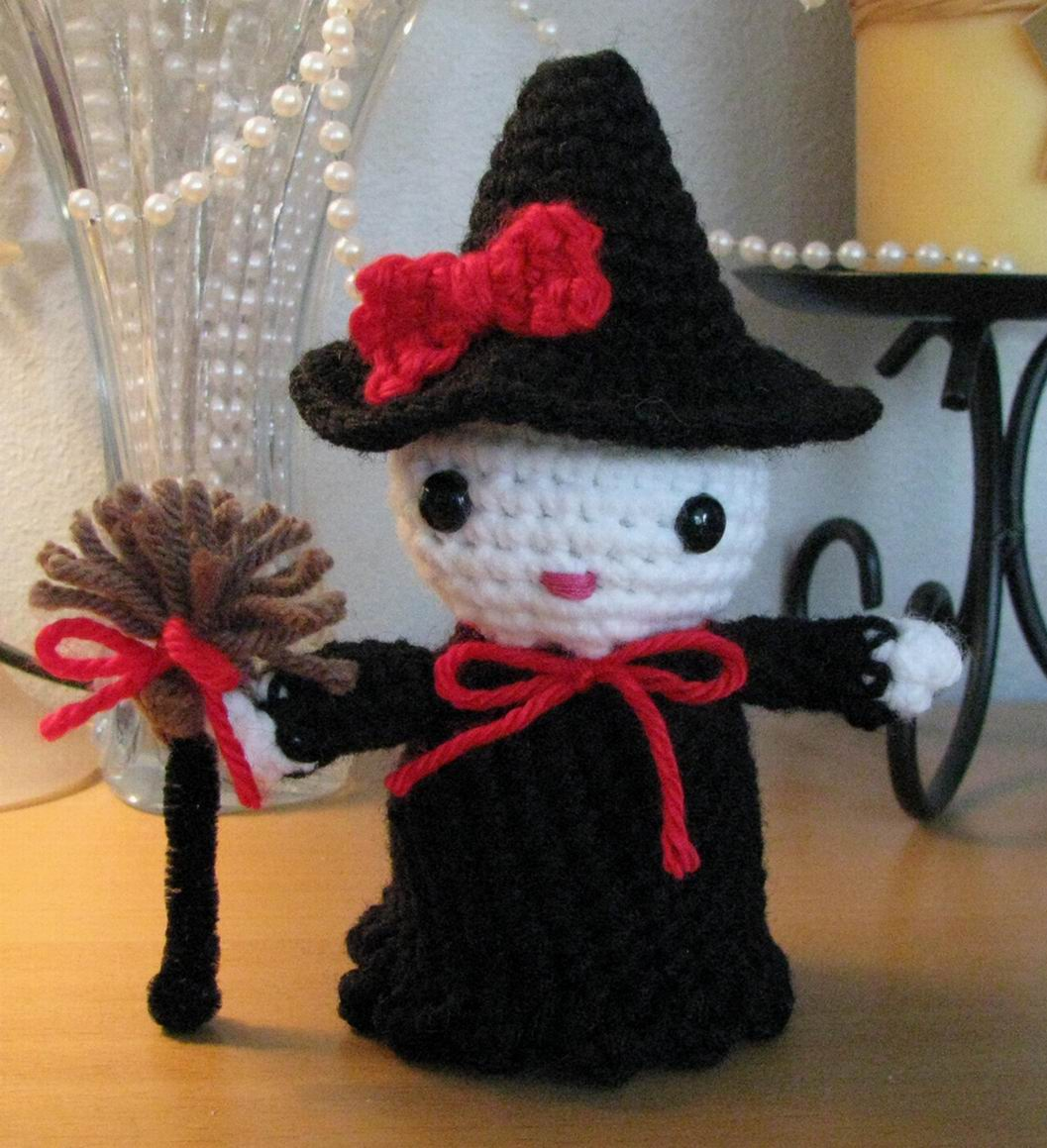 Free Easy Halloween Crochet Patterns : 2000 Free Amigurumi Patterns: Kitty Witch Pattern