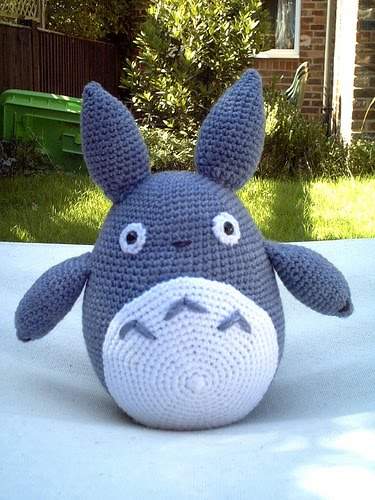 Free Amigurumi Wedding Couple Pattern : 2000 Free Amigurumi Patterns: Totoro: Blue Rabbit Monster