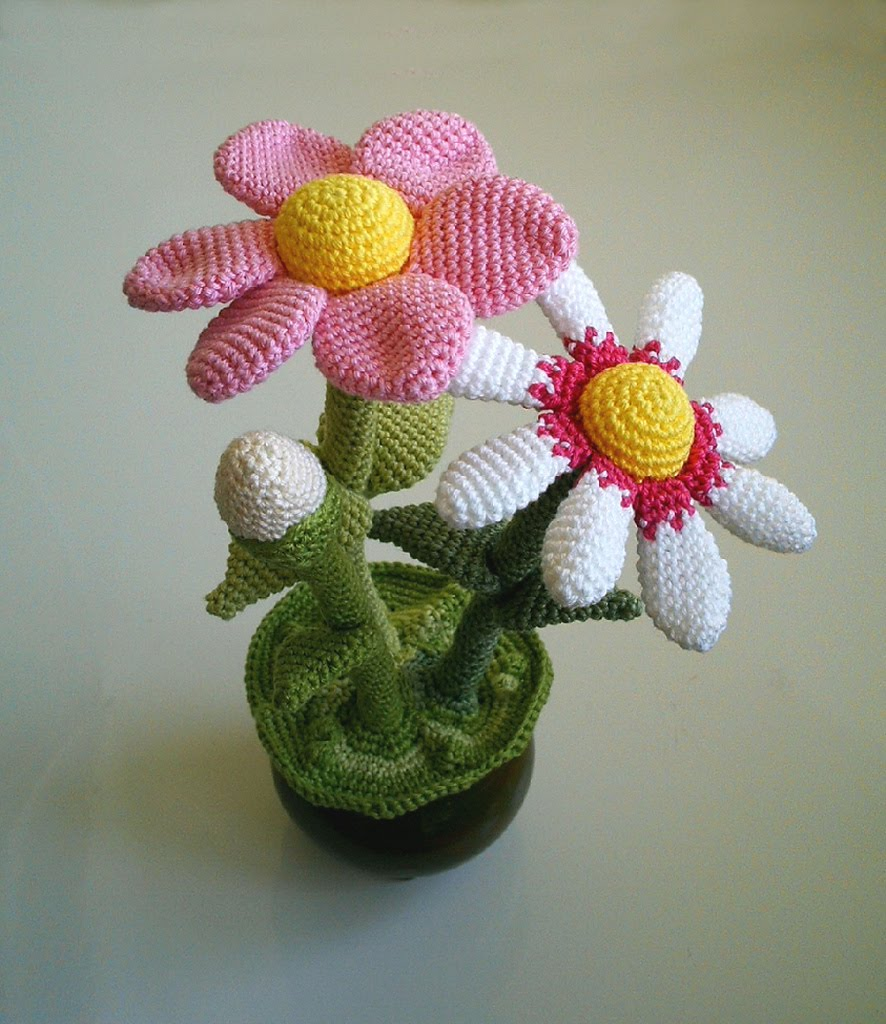 Amigurumi Flower Tutorial : 2000 Free Amigurumi Patterns: Beautiful Flower