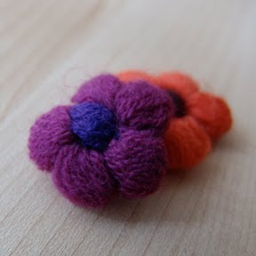 Alli Crafts: Free Pattern: Bobble Flower Applique