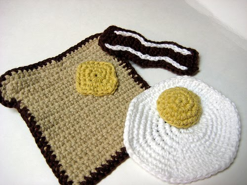 Free Crochet Pattern Of The Day : 2000 Free Amigurumi Patterns: Breakfast! The most ...