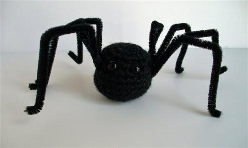 2000 Free Amigurumi Patterns: Spider