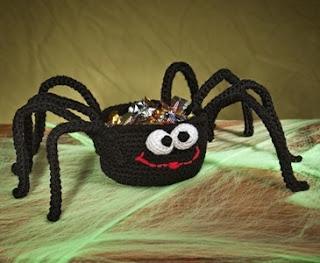 Amigurumi Spider Pattern : 2000 Free Amigurumi Patterns: Crochet spider treat basket