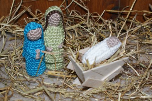 2000 Free Amigurumi Patterns: Crochet Nativity Scene Pattern