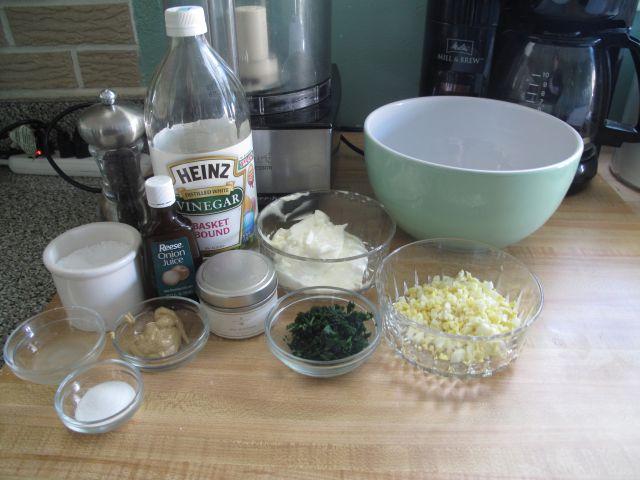 the mixing bowl detroit 39 s legendary maurice salad dressing. Black Bedroom Furniture Sets. Home Design Ideas