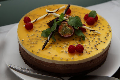 choklad och passionsmoussetårta