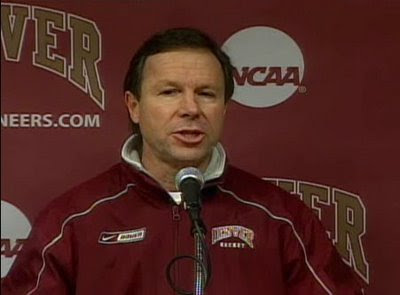 DU Pioneer Coach Goerge Gwozdecky Press Conference For Week Of 11/23/09 (audio)
