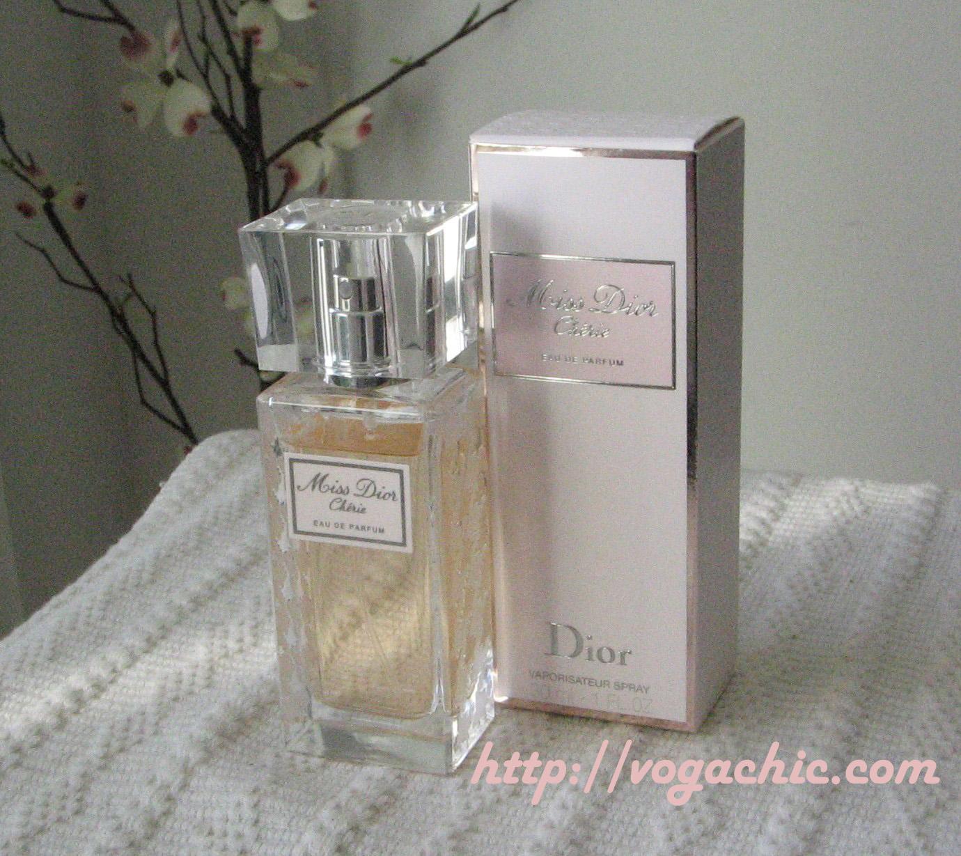 http://1.bp.blogspot.com/__TSpS88eKOE/TTYqxei6YkI/AAAAAAAAC-Q/O9AdQVWq_ao/s1600/Miss+Dior+Ch%25C3%25A9rie+Dior+copia.jpg