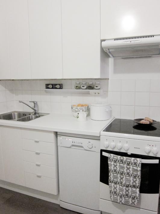 Laatoitus vanhan laatan päälle keittiö – Talo kaunis