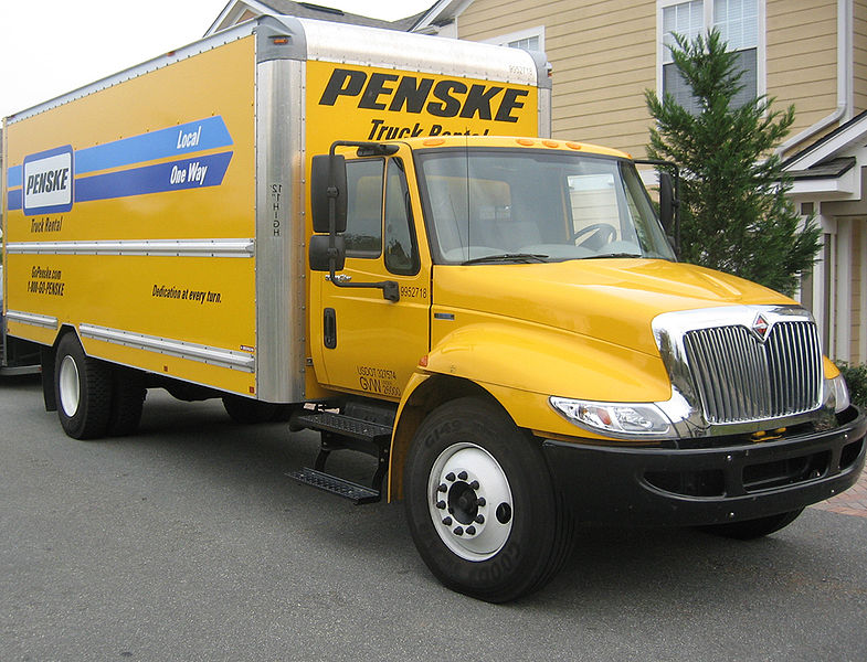 Penske student discounts provide 10% off truck rentals for moving to college. Check Penske Truck Rental's college moving discounts now.