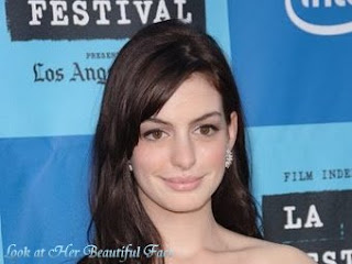 Look At Anne Hathaway Beautiful Face