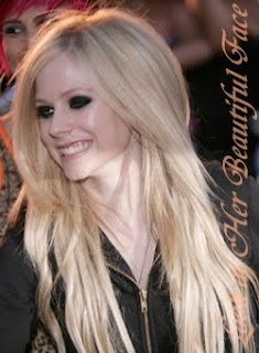 Avril Lavigne Beautiful Face