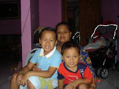 Foto keluarga Khusaeri