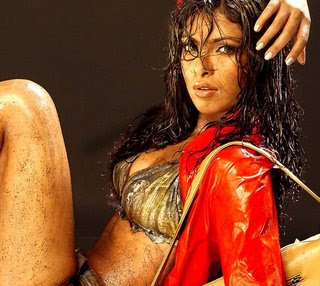 Priyanka Chopra Body Pics