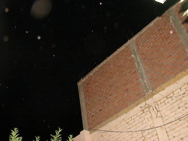 1-febrero-2-3...2011Caneplas Ovi,Ovni se agrupan hacia nave Nodriza ver parter superio derecha en f