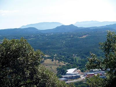 El Pla de la Calma i el Montseny des de el Pi Gros